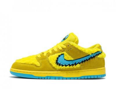 "Fake Grateful Dead x Nike SB Dunk Low ""Yellow Bear"""